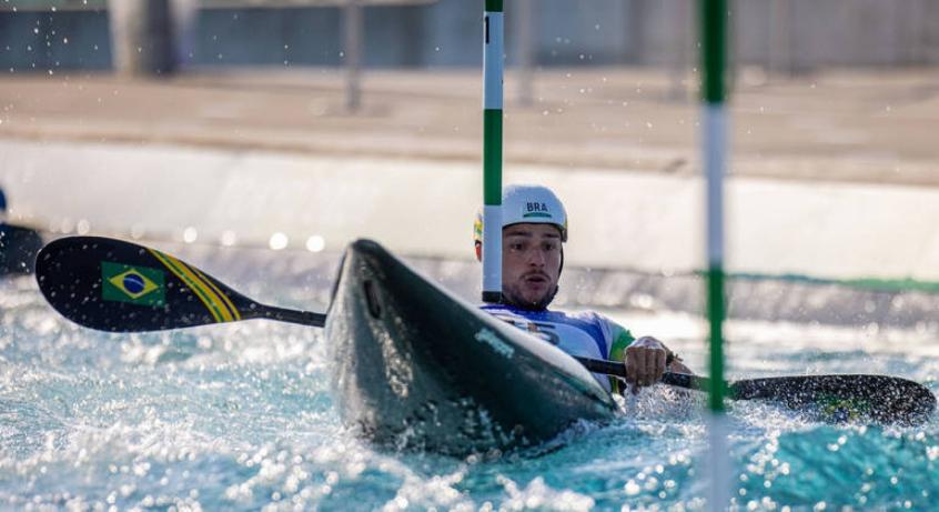 Pepê Gonçalves recebe três punições na semifinal do K-1 e se despede dos Jogos Olímpicos de Tóquio