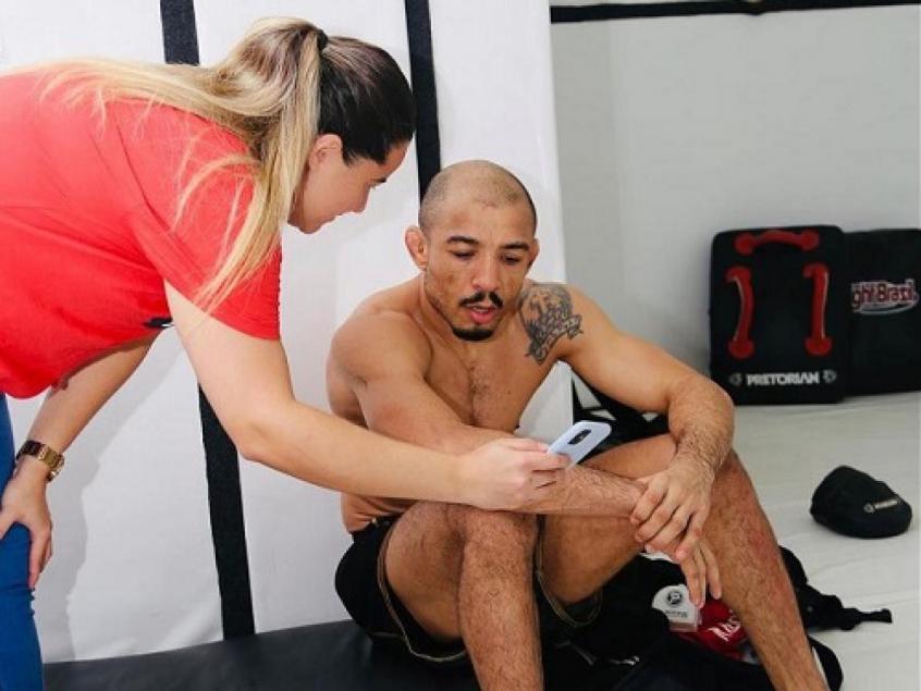 'Cada atleta é singular e isso precisa ser trabalhado nas redes sociais', explica especialista Marcelle Farias