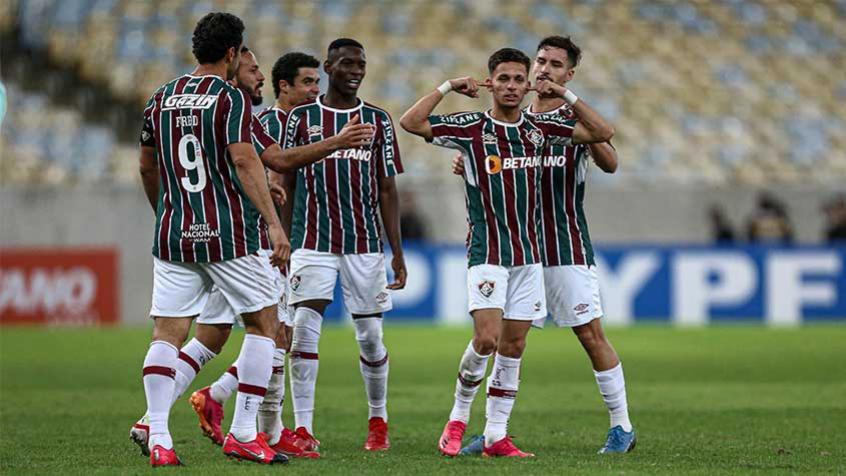 Após gol pelo Fluminense, Gabriel Teixeira explica comemoração: 'Para comentários maldosos'