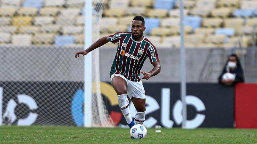 Luccas Claro celebra classificação 'muito importante' do Fluminense, mas critica gramado do Maracanã