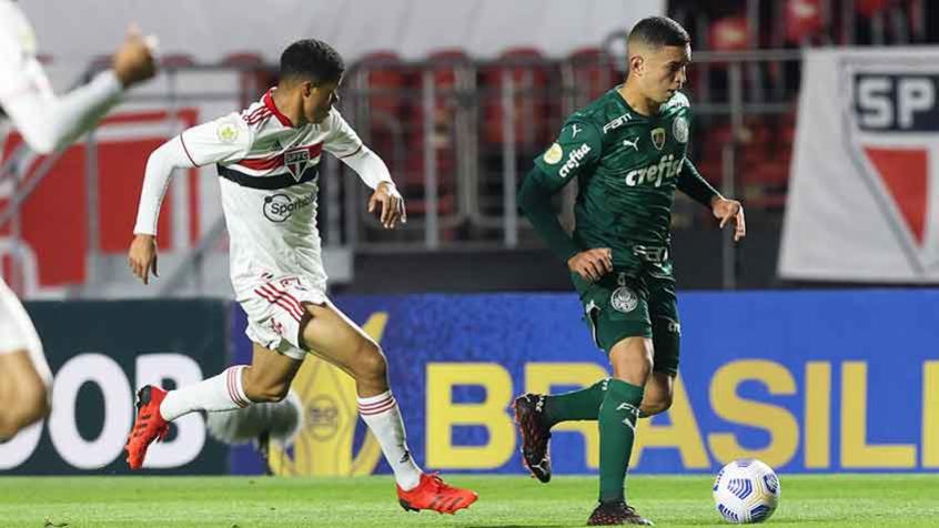 Renan, do Palmeiras, fala sobre lance polêmico no fim do Choque-Rei: 'Não foi falta'