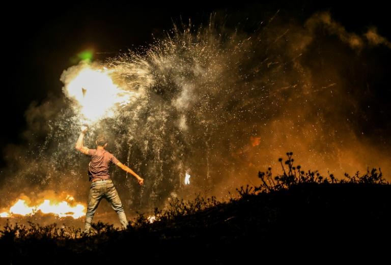 Israel ataca a Faixa de Gaza após lançamento de balões incendiários