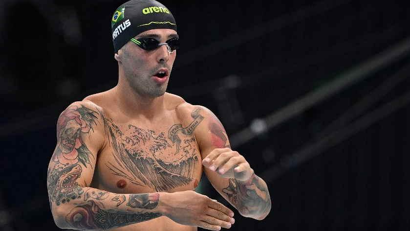 Fratus se classifica para a semifinal nos 50 metros livre; Etiene está fora