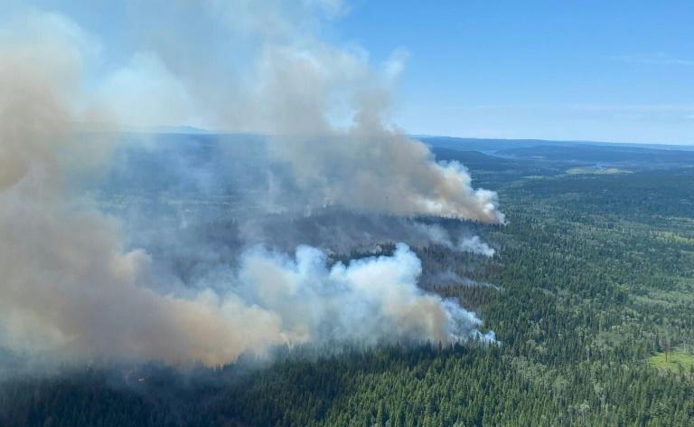 Evacuações continuam no oeste do Canadá devido ao avanço de incêndios