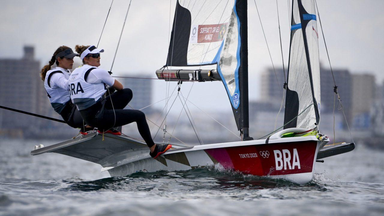 Sem vento em Tóquio, regata decisiva de Martine e Kahena na vela é adiada