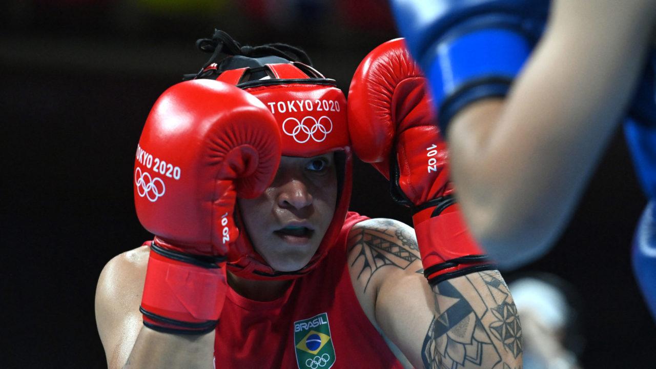 Boxe: Beatriz Ferreira vence, avança para as semifinais e garante medalha