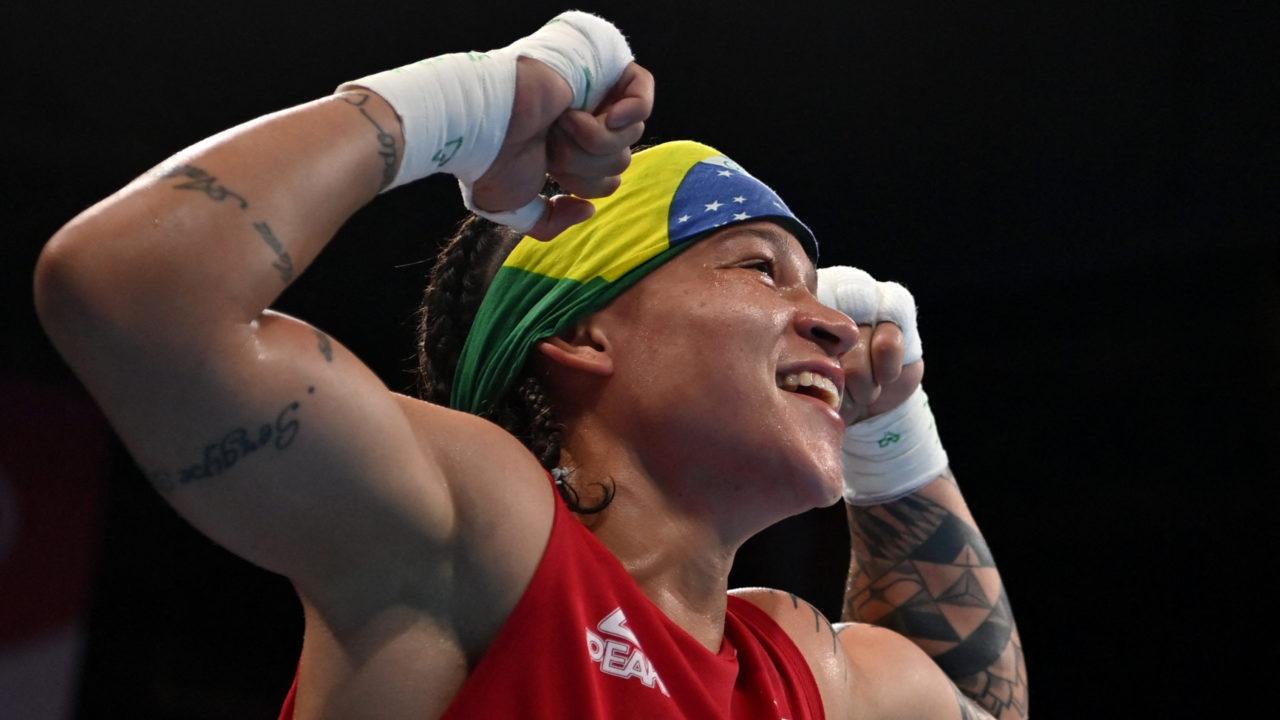 Boxe: Beatriz Ferreira vence, avança para a final e vai disputar a medalha de ouro na Olimpíada de Tóquio