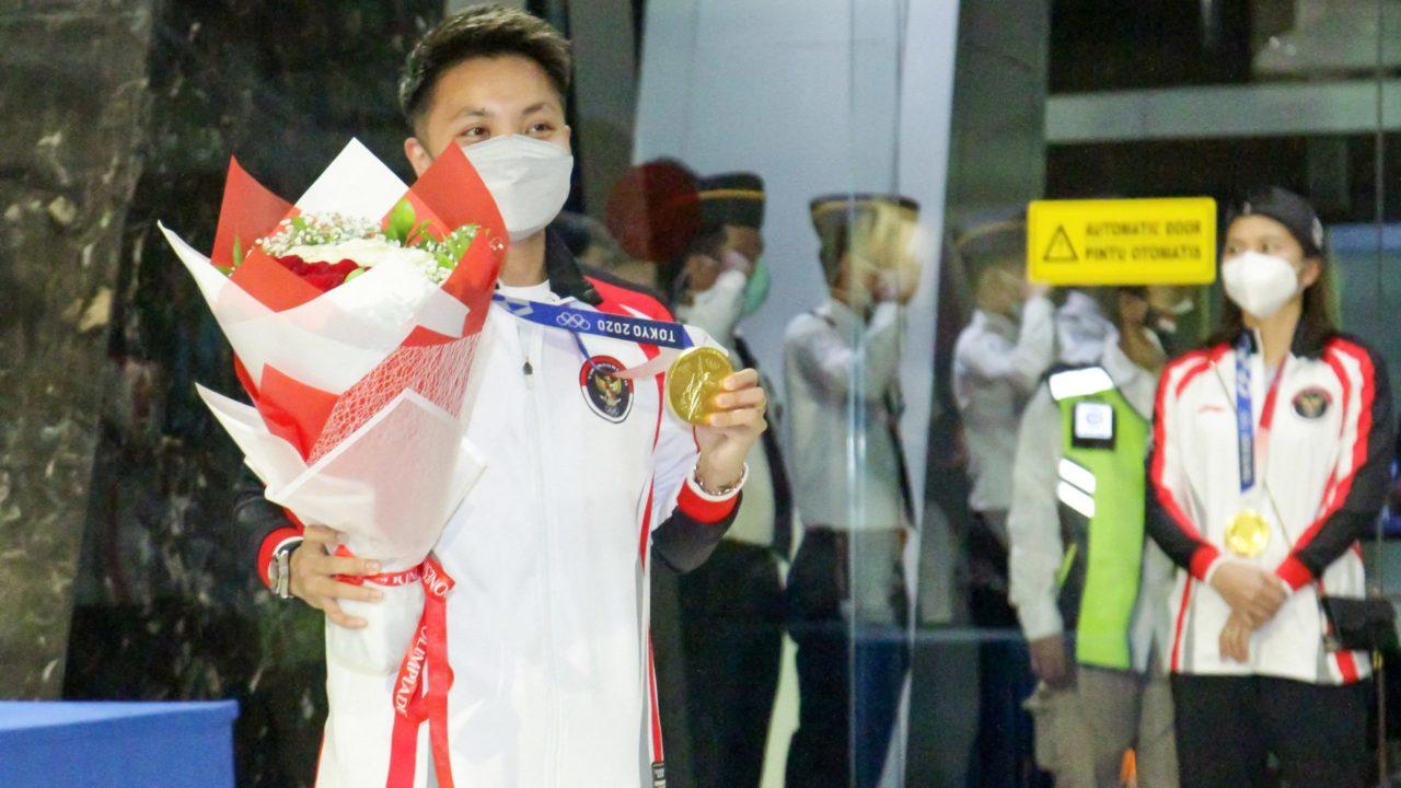 Ouro no badminton, atletas da Indonésia ganham vacas, terrenos e café grátis