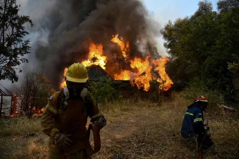 Incêndio devora o noroeste da península grega do Peloponeso