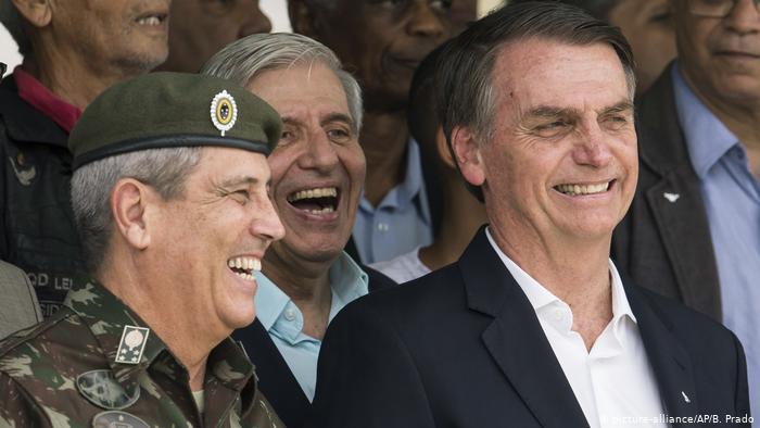 """""""Lógica militar é incompatível com a política"""""""