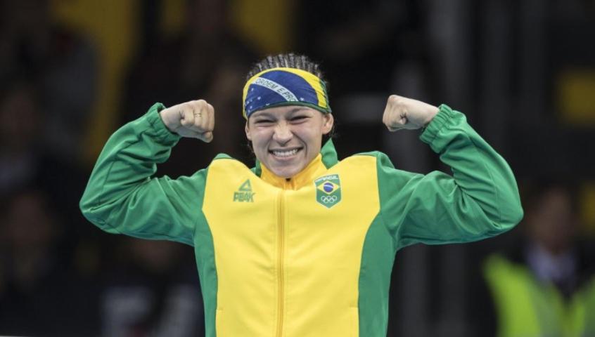 Bia Ferreira vence finlandesa e vai à final do boxe nos Jogos Olímpicos