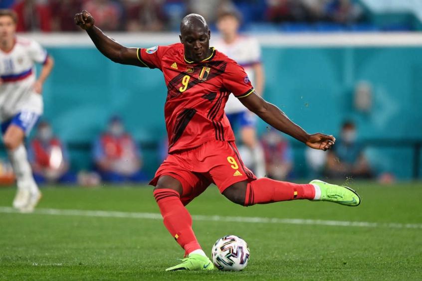 Chelsea prepara nova oferta pela contratação de Lukaku
