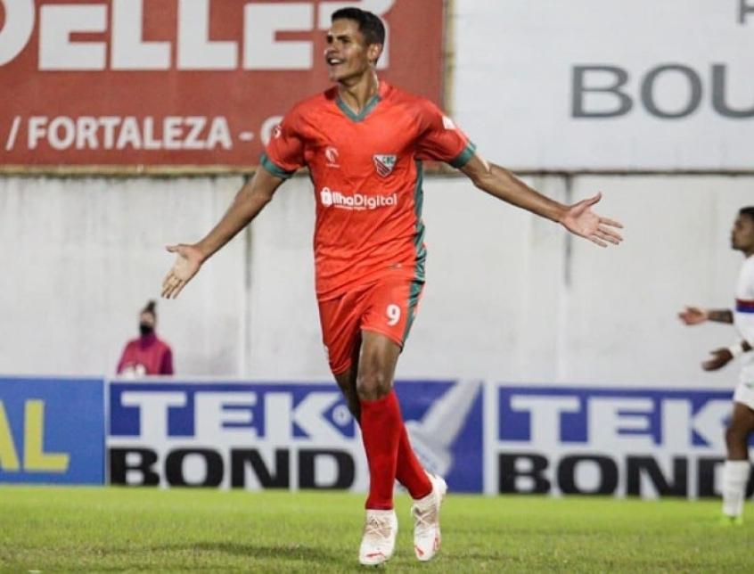 Artilheiro, Alex Bruno celebra bom momento que vive com a camisa do Atlético Catarinense