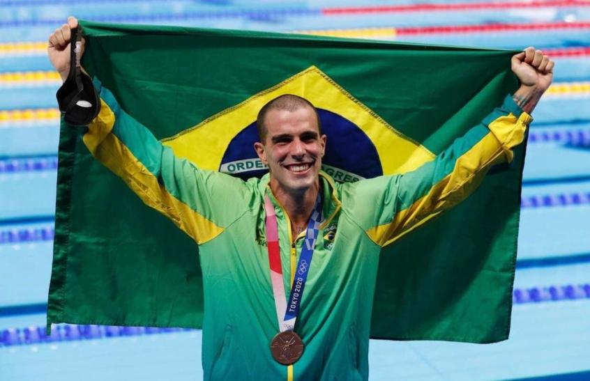 Bronze nos 50m, Bruno Fratus faz agradecimento especial a Cesar Cielo: 'Sem ele, não teria chegado aqui'