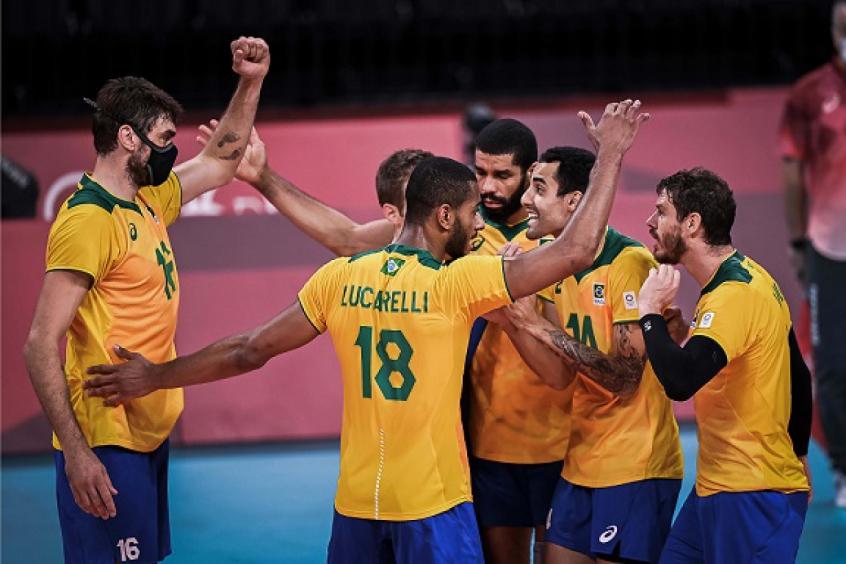 Em jogão, Brasil bate a França e aguarda rival das quartas do vôlei masculino nos Jogos Olímpicos