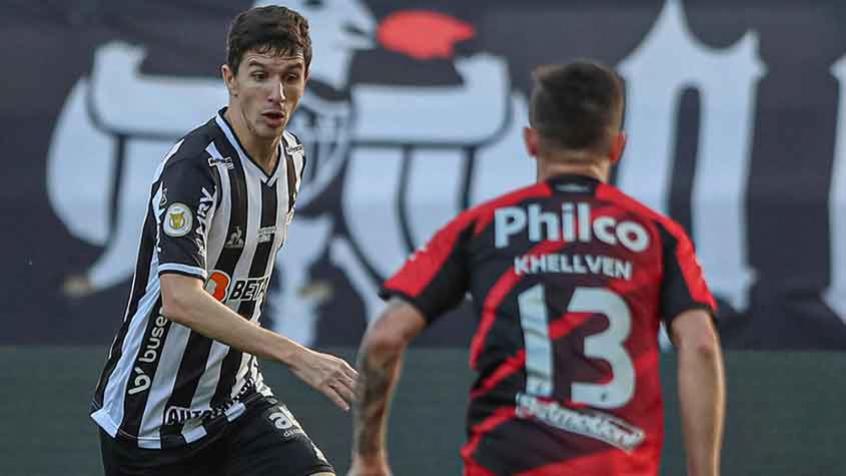Atlético-MG vence o Furacão em casa e fica a um ponto do líder Palmeiras