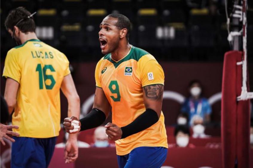 Brasil vence Japão e avança às semifinais no vôlei masculino