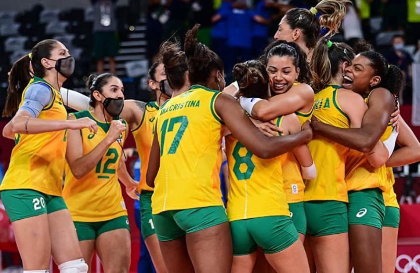 Brasil vira sobre as russas e está na semifinal do vôlei nos Jogos Olímpicos de Tóquio
