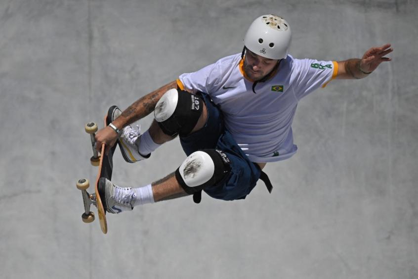 Pedro Barros conquista a medalha de prata no skate park masculino