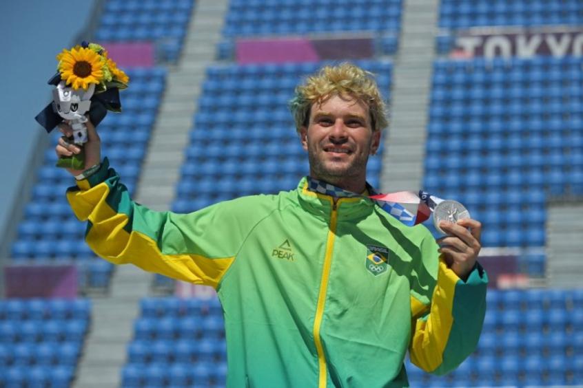 Medalhista de prata no skate park, Pedro Barros se emociona: 'Lutando por isso a vida inteira'
