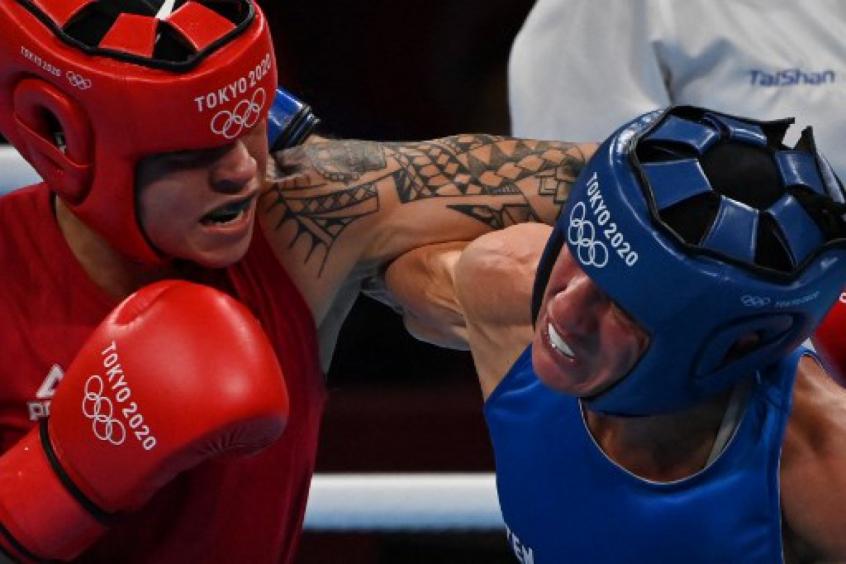 Bia Ferreira celebra vitória no boxe e projeta final: 'Eu quero a dourada'