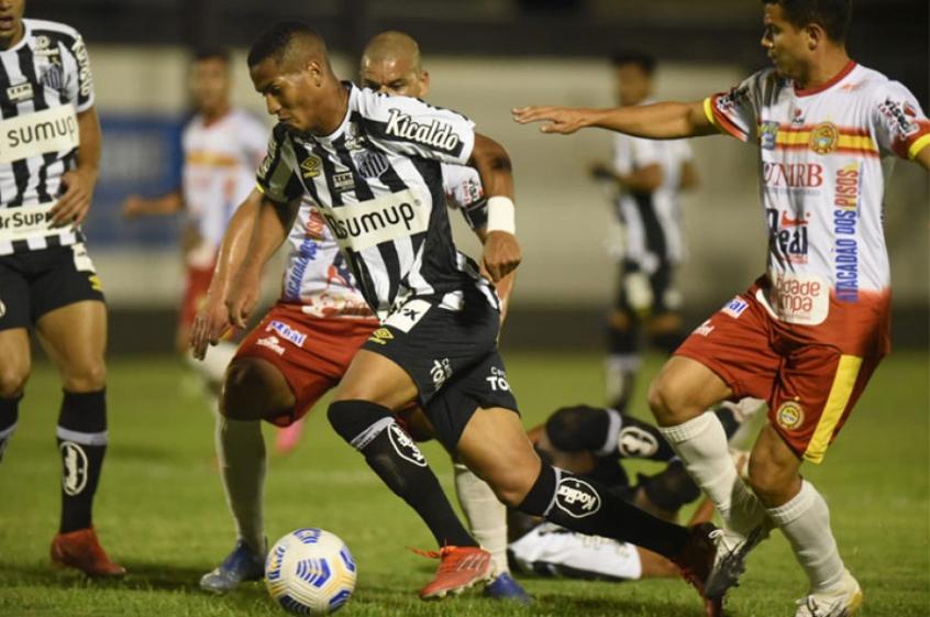 Santos joga mal, perde para a Juazeirense, mas garante vaga nas quartas de final da Copa do Brasil
