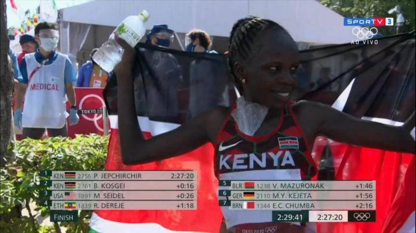 Queniana Peres Jepchirchir conquista o ouro na maratona olímpica