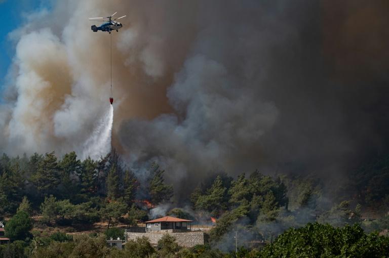 Incêndios na Turquia ameaçam usina termelétrica