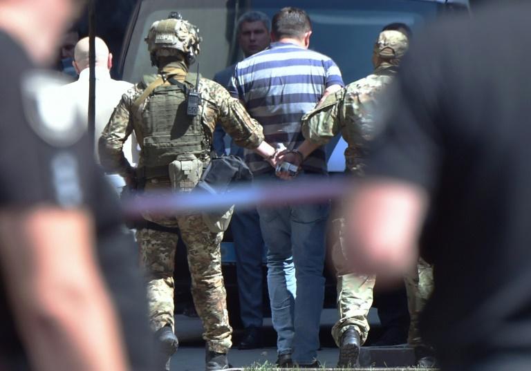 Detido homem que ameaçava detonar granada na sede do governo da Ucrânia