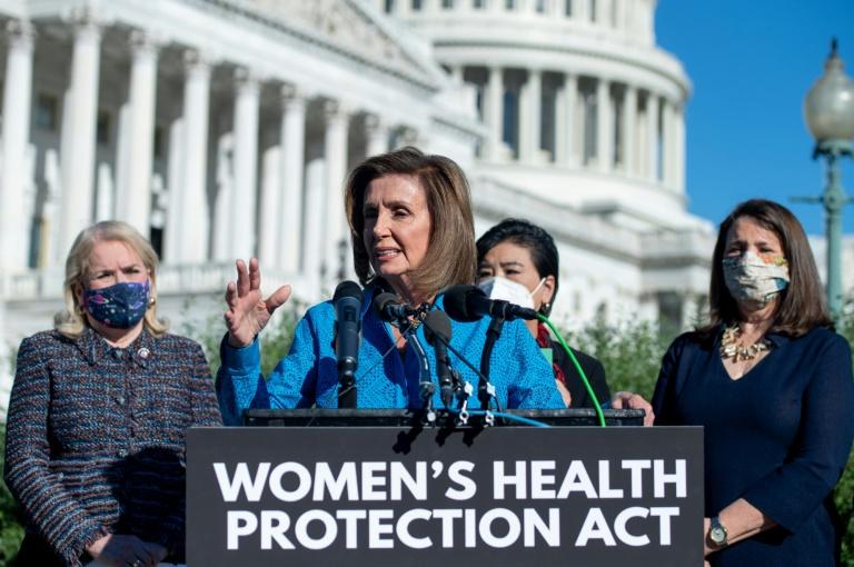 Câmara dos EUA aprova projeto sobre direito ao aborto, que tem pouca chance no Senado