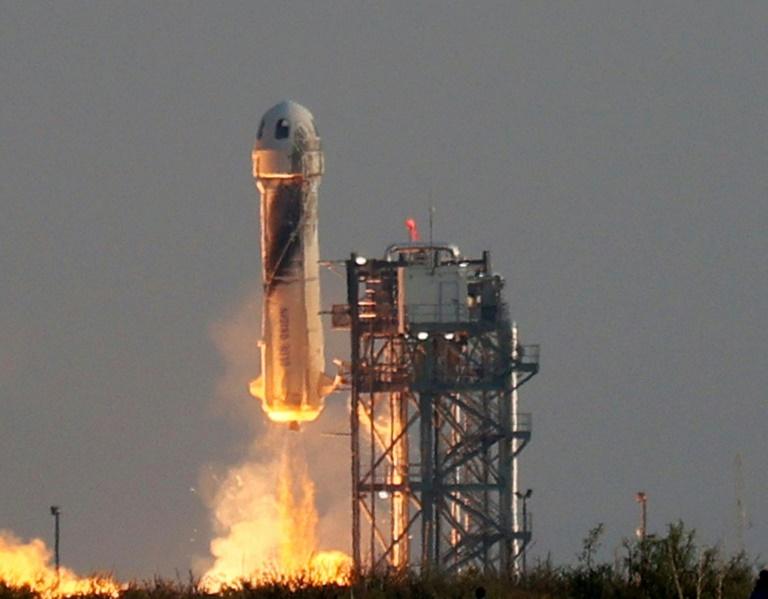 Blue Origin anuncia novo voo espacial com o Capitão Kirk a bordo, segundo o TMZ