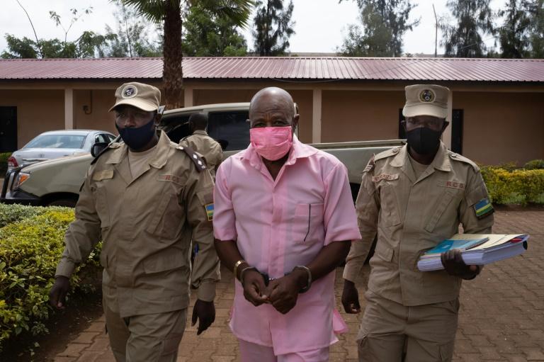 """Herói do filme """"Hotel Ruanda"""" espera sentença por acusação de terrorismo"""