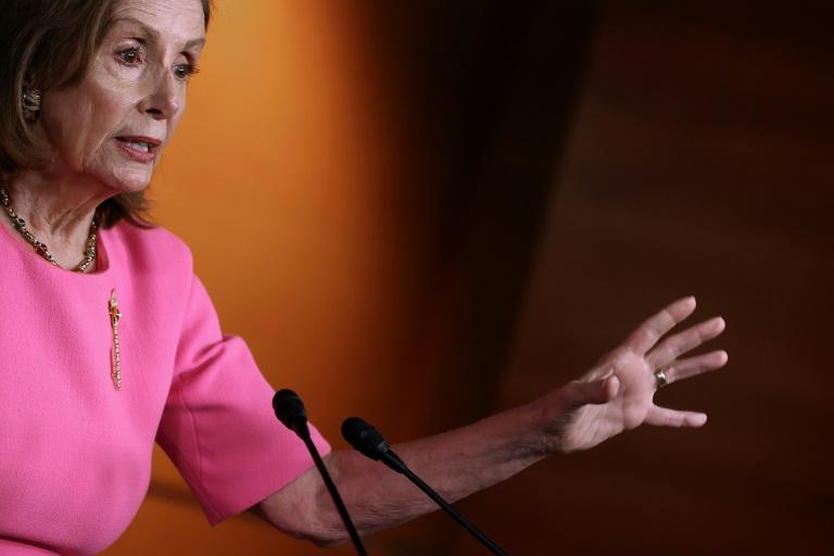 Líder dos democratas promete evitar paralisação do governo dos EUA