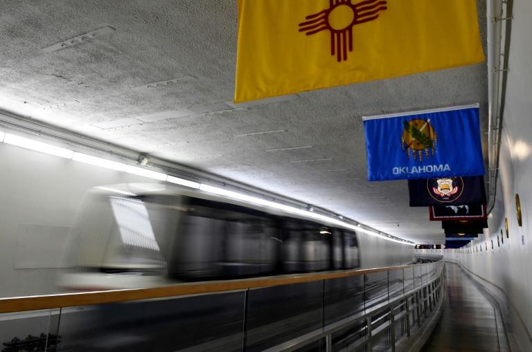 'O expresso da democracia' – a bordo do trem subterrâneo do Congresso dos EUA