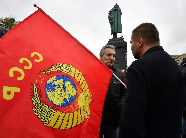 Oposição protesta em Moscou e denuncia 'fraude colossal' nas eleições parlamentares