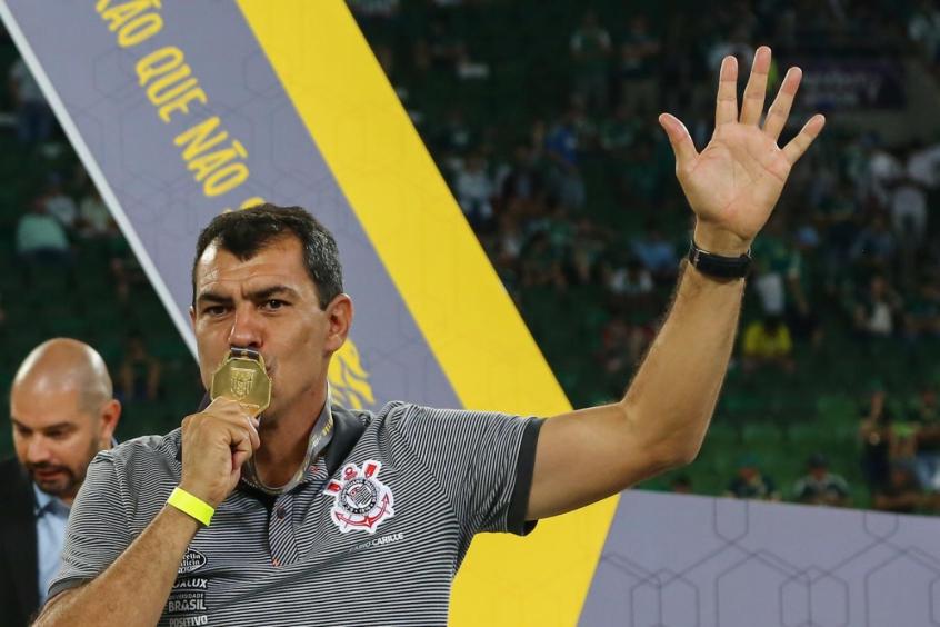 Fábio Carille tem desafio de repetir Vanderlei Luxemburgo no Santos