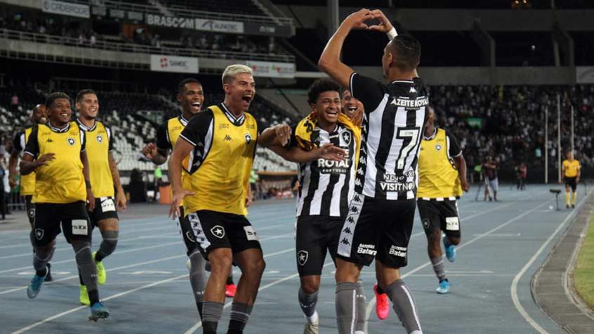 Luiz Fernando, Danilo Barcelos, Luís Henrique… Relembre o time do Botafogo no último jogo com público