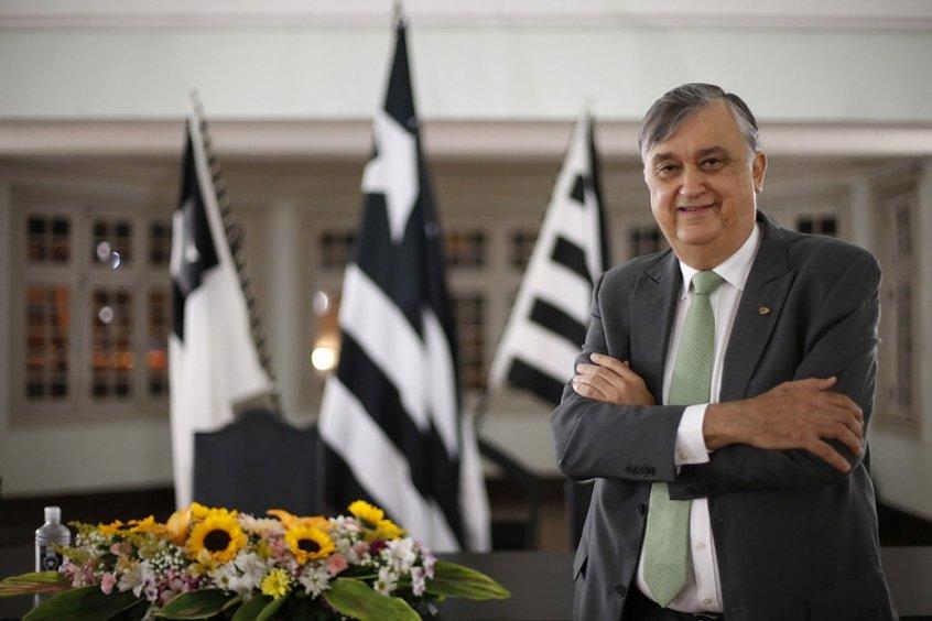 Presidente do Botafogo diz que 'cinco ou seis' reforços chegarão em 2022 e folha aumentará em R$ 3 milhões