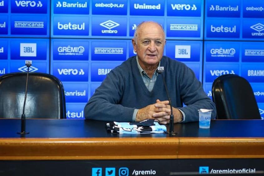 Quatro figuras são eternizadas em calçada da fama na Arena do Grêmio