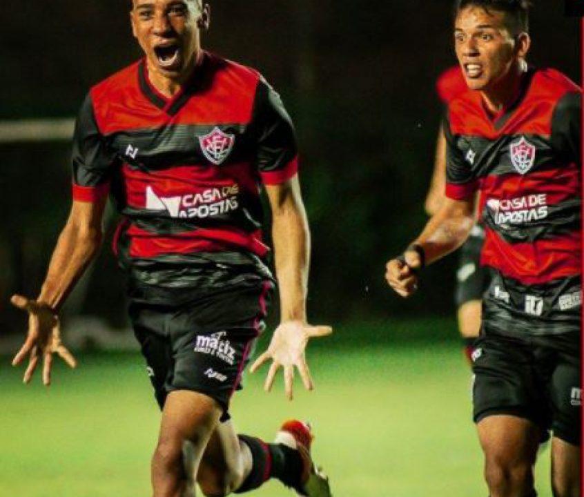 Meio-campista Pablo Siles é alvo em 'última cartada' do Athletico para reforçar elenco