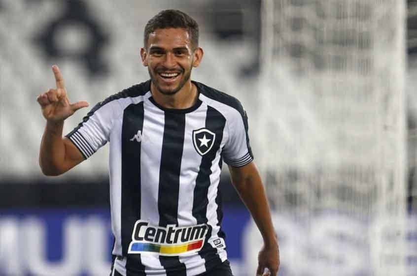 Marco Antônio comemora retorno da torcida no Botafogo: 'Muito bom poder contar com eles'