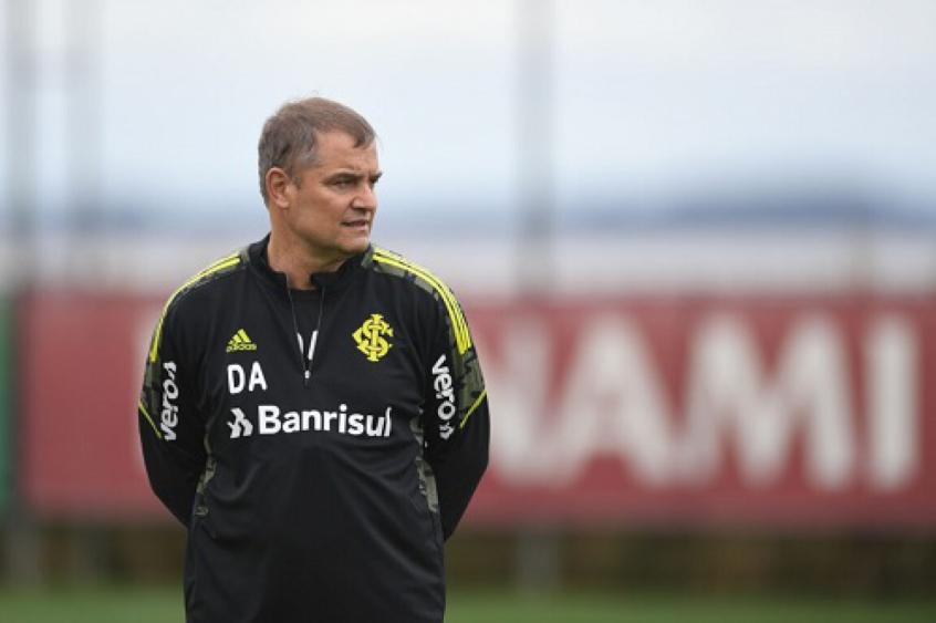 Aguirre vibra com vitória do Internacional
