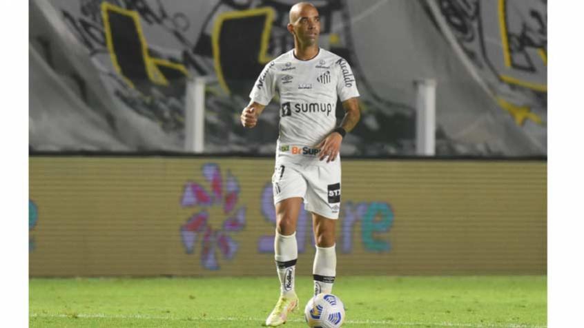 Tardelli cogitou deixar o Santos após ameaças, mas decidiu ficar e deve jogar no domingo