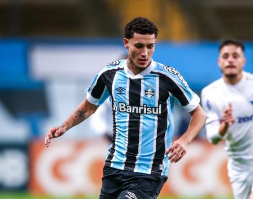 Bobsin volta a ser relacionado por Felipão para jogo da Copa do Brasil