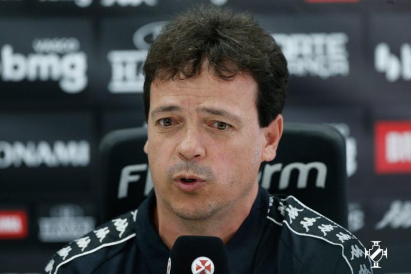 Fernando Diniz avalia reestreia de Nene no Vasco: 'Agrega muito'