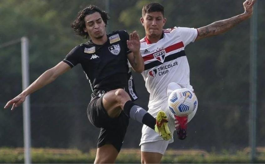 Botafogo vira o placar e vence o São Paulo por 3 a 2, em Cotia, pelo Campeonato Brasileiro Sub-20