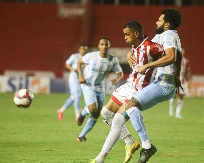 Fora de casa, Londrina vence o Náutico pelo Brasileiro da Série B