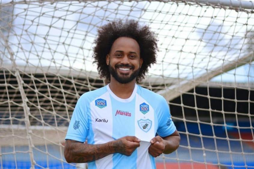 Julgamento do STJD condena Brusque a perda de pontos em caso de racismo contra Celsinho, do Londrina