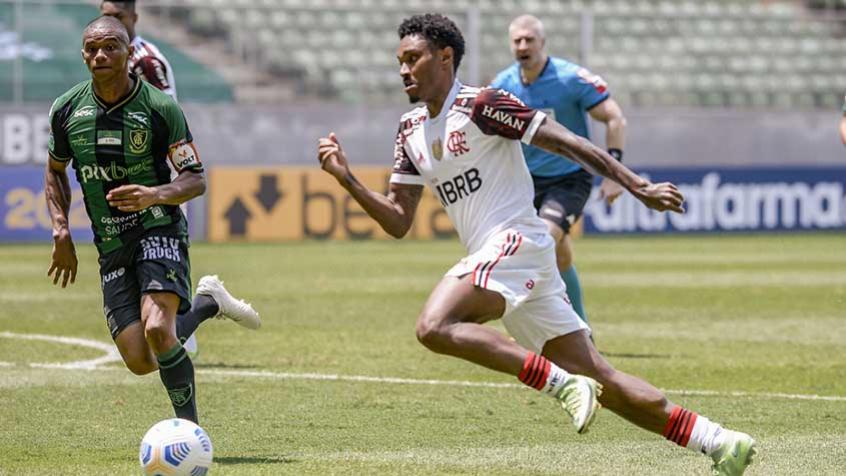 Rubro-negro volta a tropeçar às vésperas de um mata-mata pela Libertadores