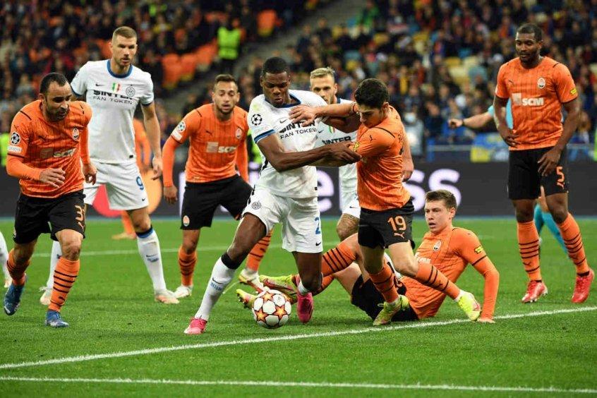 Shakhtar Donetsk e Inter de Milão empatam em Kiev e seguem sem vencer na Champions League